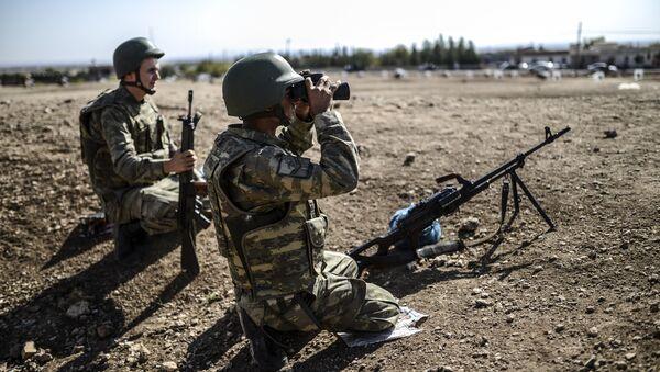 Soldados turcos en la frontera con Siria - Sputnik Mundo