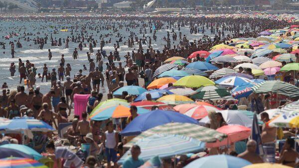 Una playa en Valencia - Sputnik Mundo