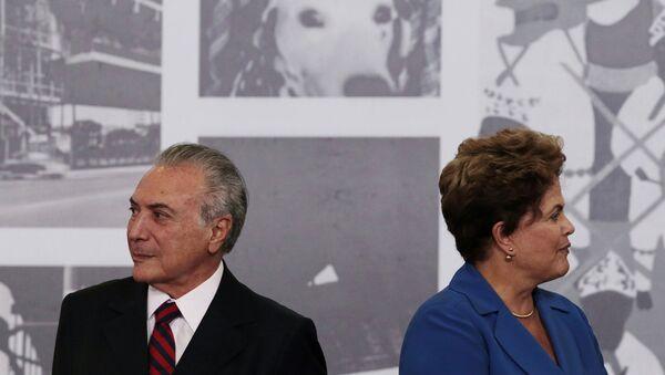 El presidente de Brasil, Michel Temer, y la expresidenta, Dilma Rousseff - Sputnik Mundo