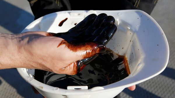 Petróleo (imagen referencial) - Sputnik Mundo