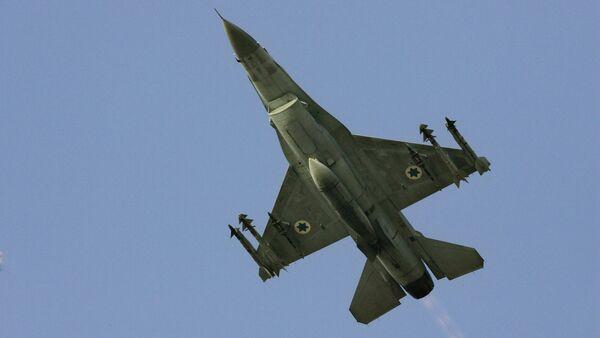 Un caza F-16 israelí - Sputnik Mundo
