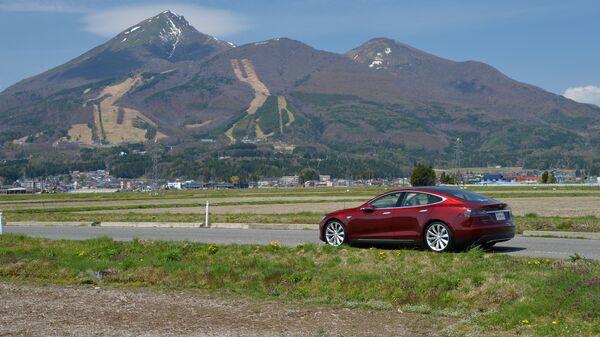 Tesla Model S - Sputnik Mundo