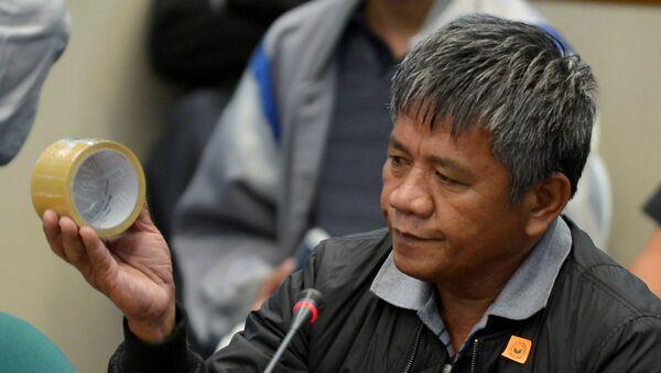Edgar Matobato, antiguo miembro del supuesto 'escuadrón de la muerte de Duterte' - Sputnik Mundo