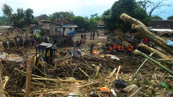 Las consecuencias de las inundaciones en Indonesia - Sputnik Mundo