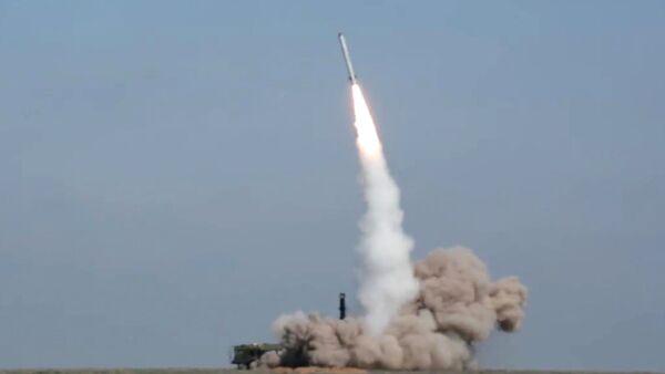 Lanzamiento de un misil ruso (archivo) - Sputnik Mundo