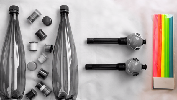 Un bolígrafo 3D para 'dibujar' con botellas de plástico - Sputnik Mundo