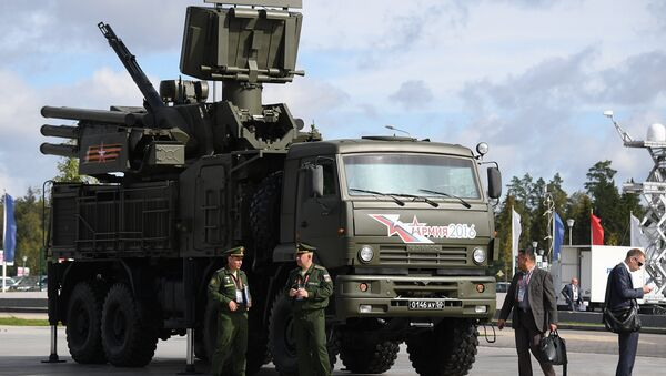 El sistema antiaéreo móvil de cañón-misil Pántsir (archivo) - Sputnik Mundo