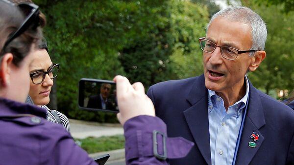 John Podesta, responsable de la campaña electoral de Hillary Clinton - Sputnik Mundo