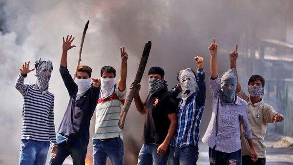 Los protestantes en Jammu y Cachemira - Sputnik Mundo