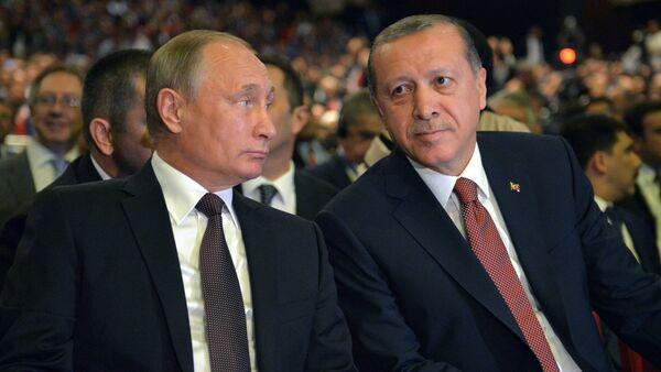 Vladímir Putin, presidente de Rusia, y Recep Tayyip Erdogan, presidente de Turquía - Sputnik Mundo