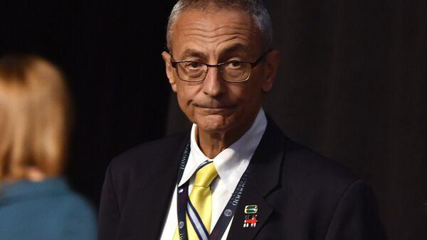 John Podesta, exjefe de la campaña electoral de Hillary Clinton - Sputnik Mundo