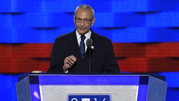 John Podesta, jefe de la campaña electoral de Hillary Clinton - Sputnik Mundo
