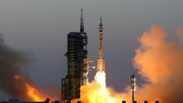 El lanzamiento de la nave espacial china (archivo) - Sputnik Mundo