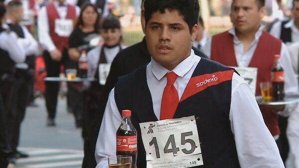 Inusual carrera deportiva en las calles de Buenos Aires - Sputnik Mundo
