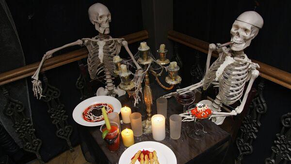 Специальное меню к празднованию Хэллоуина представлено в одном из московских ресторанов - Sputnik Mundo