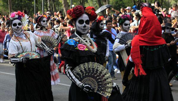 Día de los muertos en Ciudad de México - Sputnik Mundo