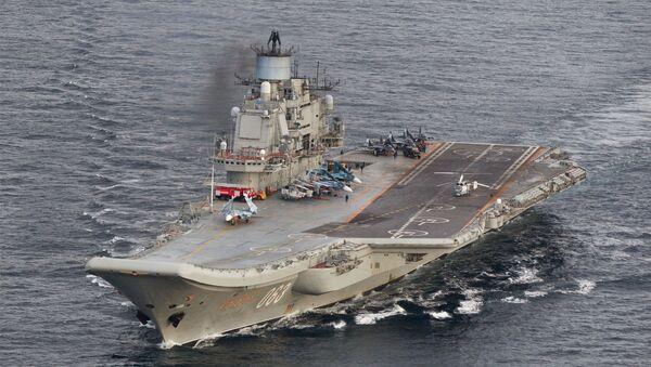 El grupo naval ruso, dirigido por el portaviones Almirante Kuznetsov - Sputnik Mundo