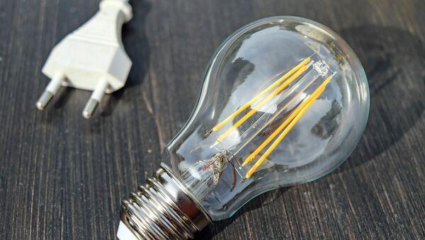 Una lámpara de incandescencia (archivo) - Sputnik Mundo