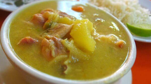 Una sopa de pollo - Sputnik Mundo