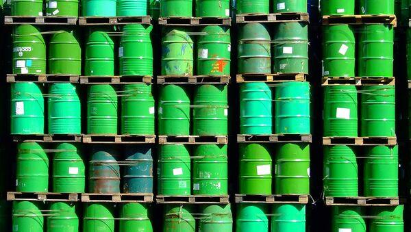 Barriles de petróleo (archivo) - Sputnik Mundo