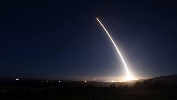 Prueba del misil balístico intercontinental Minuteman III - Sputnik Mundo