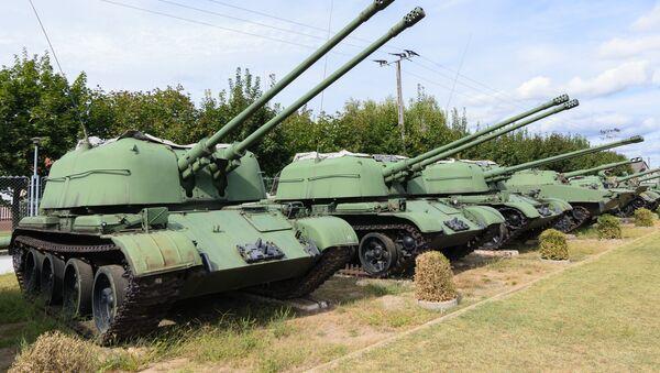 Cañones antiaéreos autopropulsados ZSU-57-2 - Sputnik Mundo