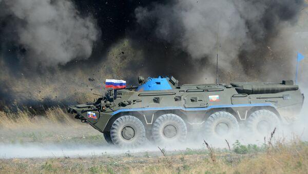 Un carro blindado del Ejército de Rusia - Sputnik Mundo