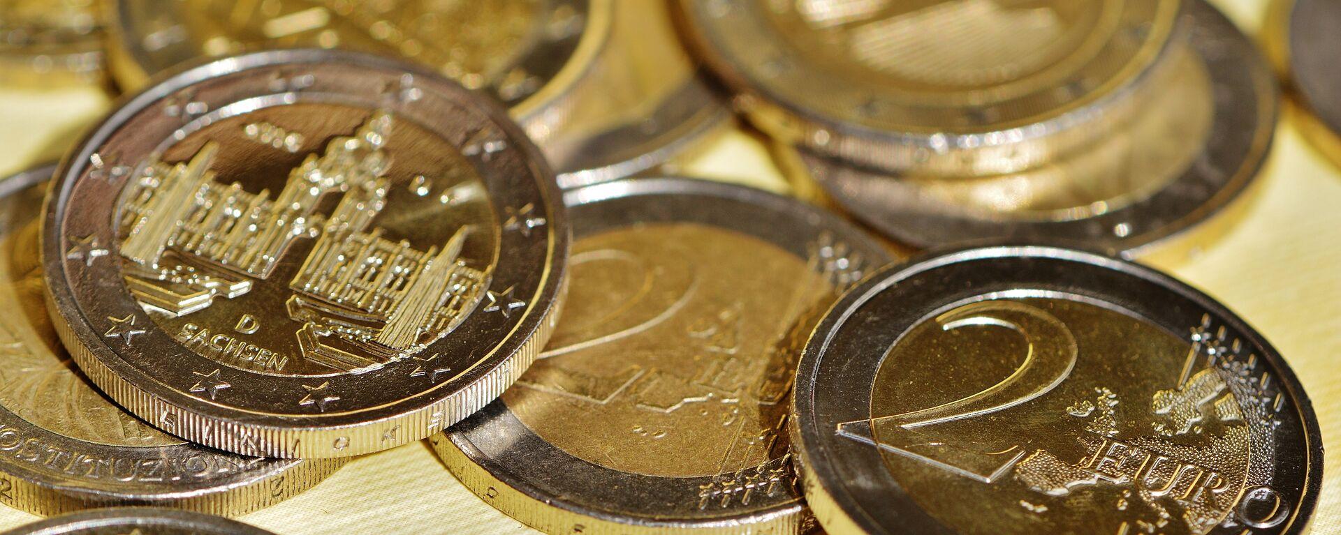 Monedas de dos euros (imagen referencial) - Sputnik Mundo, 1920, 07.09.2021