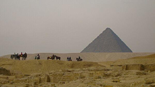 Una pirámide en Egipto - Sputnik Mundo