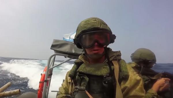Vídeo: Así lucha la muerte negra rusa - Sputnik Mundo