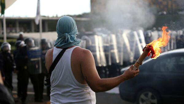 Manifestación contra el techo de gastos en Brasilia - Sputnik Mundo