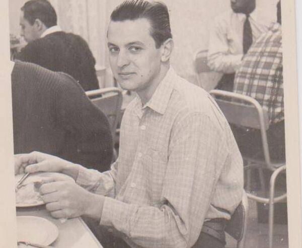 Vladimir Roslik durante sus años de estudiante en Moscú - Sputnik Mundo