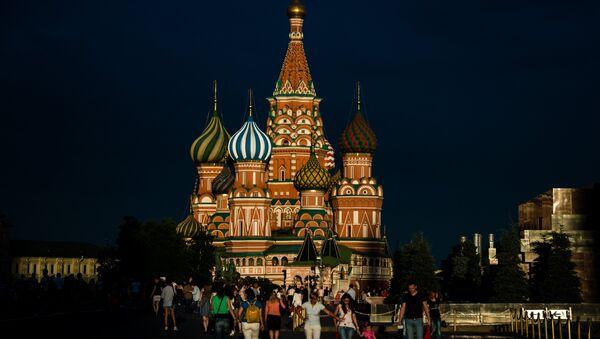 La catedral de San Basilio, en la Plaza Roja de Moscú. - Sputnik Mundo