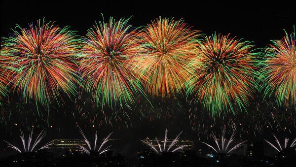 Fuegos artificiales del Año Nuevo en Copacabana, Brasil - Sputnik Mundo