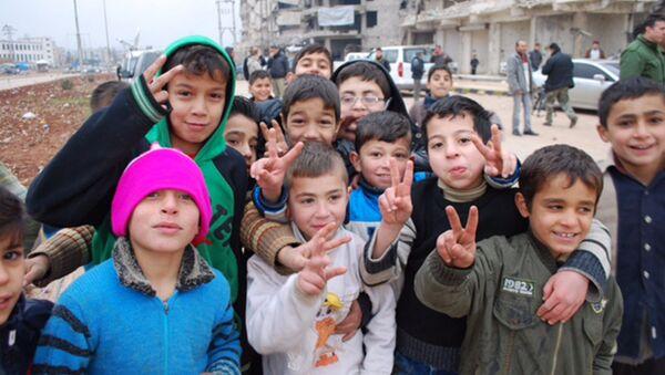 Niños en Alepo - Sputnik Mundo