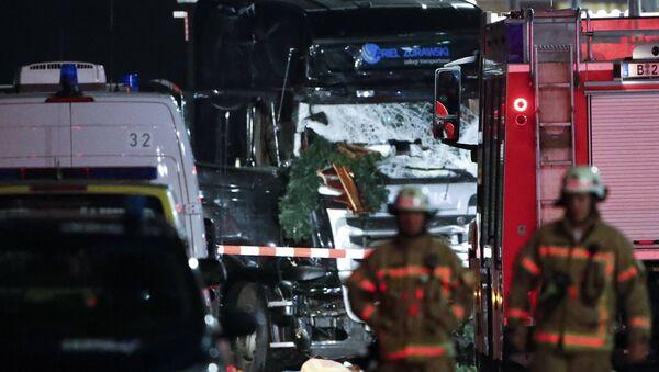 Ministro alemán califica de terrorista el atropello masivo del camión en la feria navideña - Sputnik Mundo