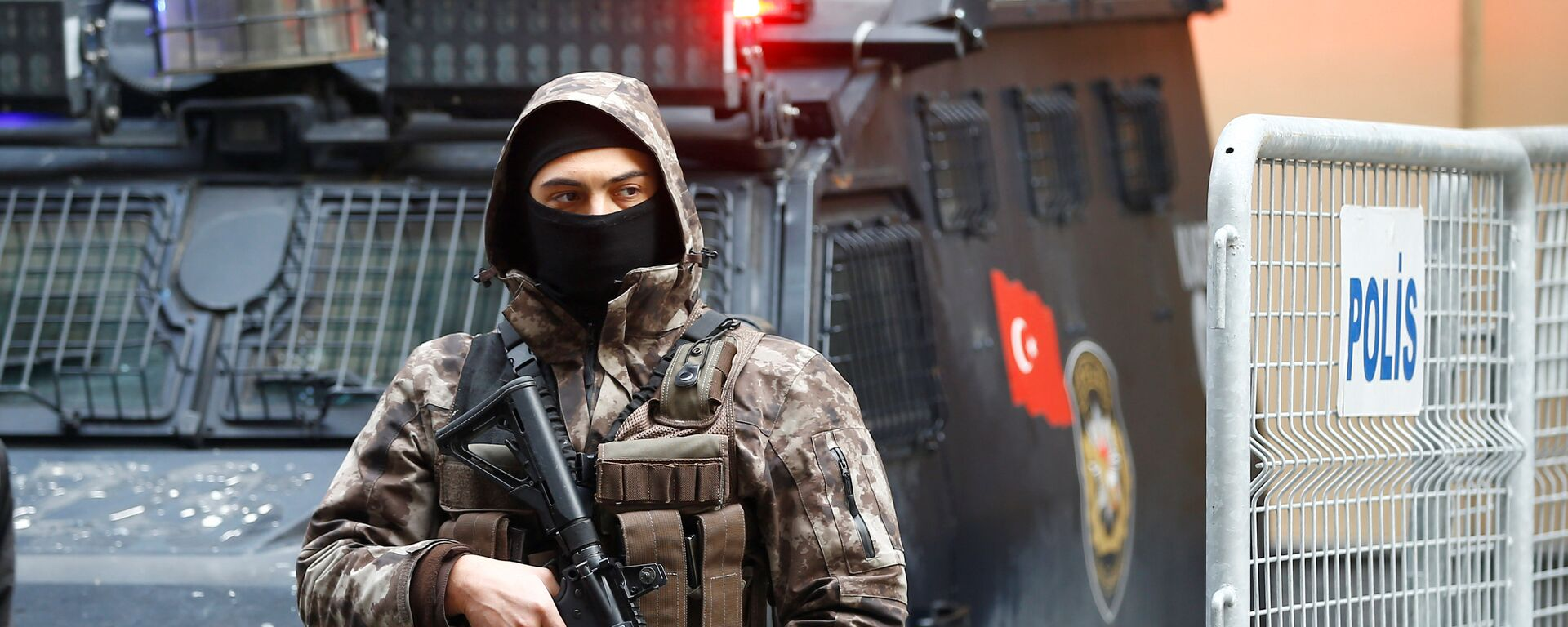 Un policía de las fuerzas especiales de Turquía (archivo) - Sputnik Mundo, 1920, 16.02.2021