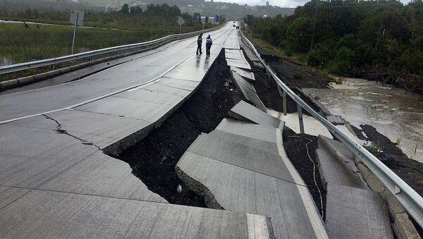 Consecuencias del terremoto en la región de Chiloé, Chile - Sputnik Mundo