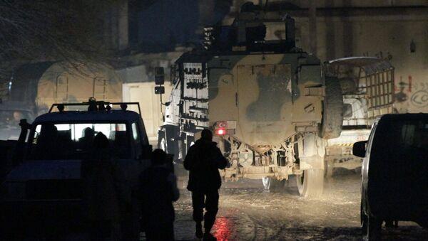 Turkish military vehicles drive in al-Rai town, northern Aleppo province - Sputnik Mundo