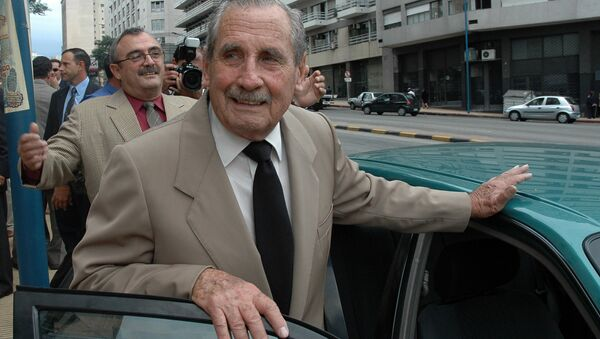 Lieutenant general (retired) Gregorio Alvarez, dictator between 1979-1985 during Uruguay's military regime (1973-1985), leaves the Military Center after a ceremony held to commemorate the Day of the Fallen in the Fight Against the Guerrilla in Montevideo, 14 April, 2007. Alvarez will testify next week in court in the case that investigates an illegal flight that in 1976 transported from Argentina to Uruguay a group of political prisoners who are still disappeared. - Sputnik Mundo