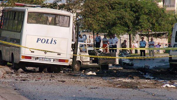 Explosión de coche de bomba en la ciudad turca de Esmirna - Sputnik Mundo