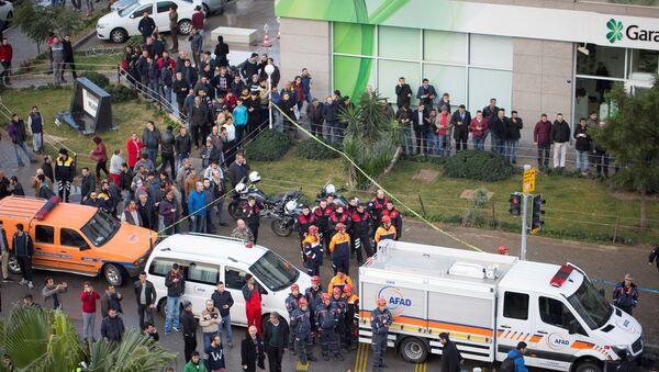 El lugar de la explosión en Esmirna, Turquía - Sputnik Mundo