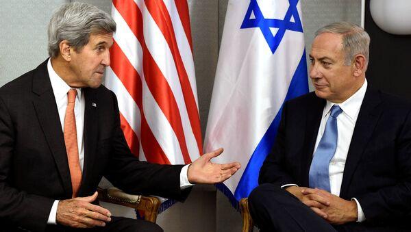 Secretario de Estado de EEUU, John Kerry y primer ministro de Israel, Benjamín Netanyahu - Sputnik Mundo
