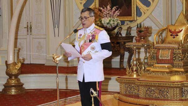 Thailand 's new King Maha Vajiralongkorn Bodindradebayavarangkun delivers a speech after accepting the throne at the Dusit Palace in Bangkok, Thailand - Sputnik Mundo