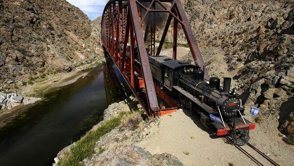 Ferrocarril La Trochita, desencadenante de la represión estatal hacia los mapuches - Sputnik Mundo
