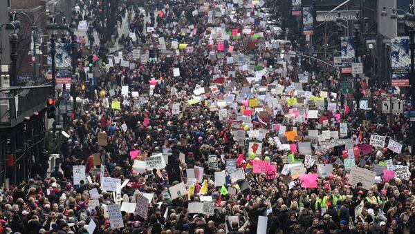 Marcha de las Mujeres en Nueva York en contra del presidente Donald Trump - Sputnik Mundo
