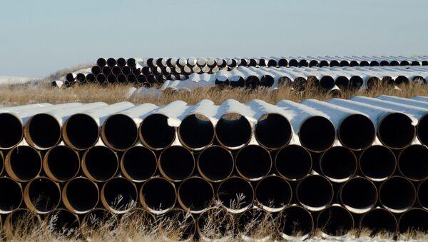 A depot used to store pipes for Transcanada Corp's planned Keystone XL oil pipeline is seen in Gascoyne, North Dakota  - Sputnik Mundo