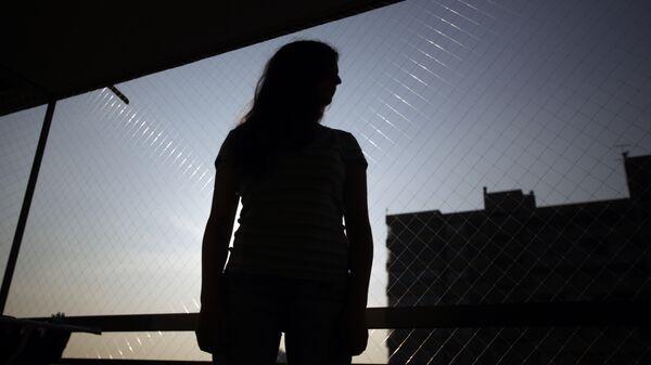 La silueta de una mujer (imagen referencial) - Sputnik Mundo