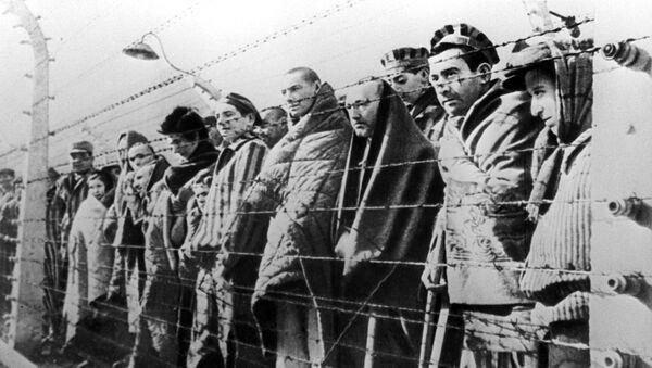 Prisioneros del campo de exterminio de Auschwitz - Sputnik Mundo