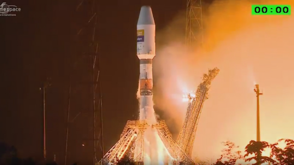 Cohete portador ruso Soyuz parte con satélite español desde cosmódromo de Kourou - Sputnik Mundo